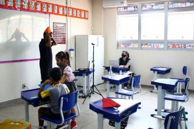 Diretriz do CNE propõe que escolas integrem anos letivos de 2020 e 2021